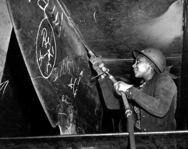 一位懂生产的大享,对二战的影响超过任何一位英雄